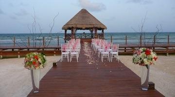 Во сколько обойдется свадебная церемония заграницей