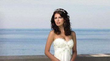 платье для свадьбы на берегу