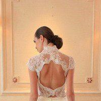 Эффектные свадебные платья с открытой спиной – особенности выбора разных моделей