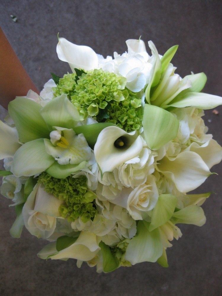 Комбинация калл и орхидей