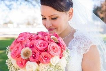 Красивый букет невесты с гортензиями