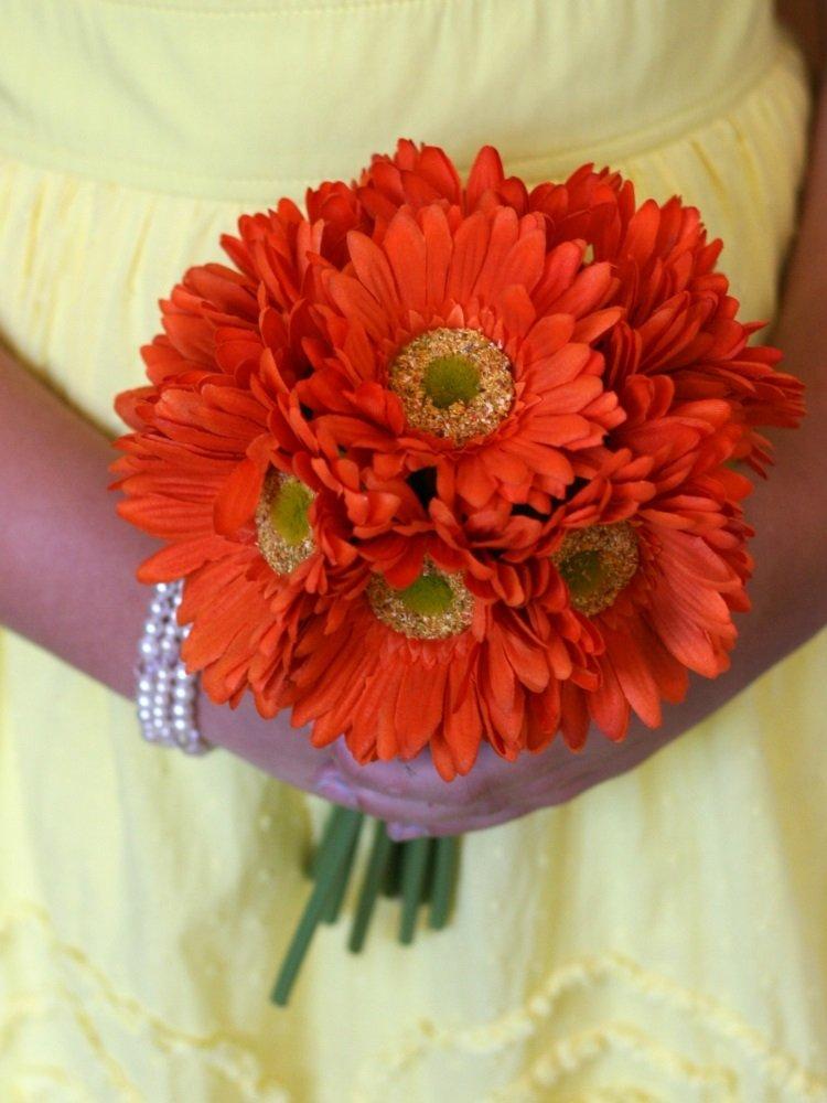 Монобукет оранжевого цвета