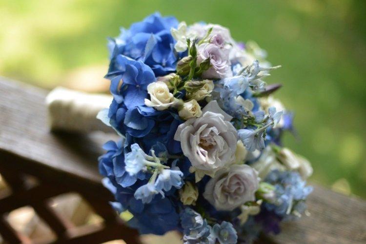 Сочетание синего и пастельных цветов