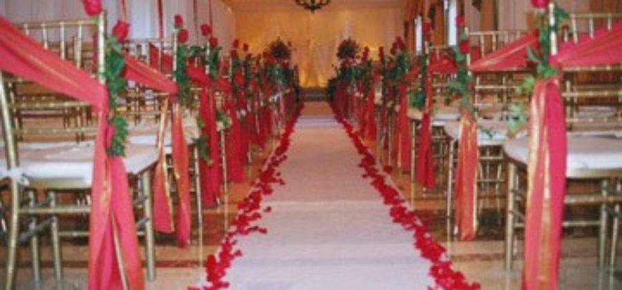 Красно-белая свадьба: как вдохнуть в оформление жизнь