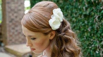 Укладка невесты с цветами