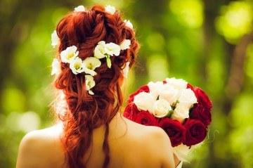 Красивая свадебная укладка на длинные волосы