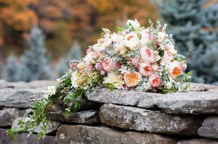 Из роз и других цветов