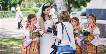 Свадебный наряд невесты в русском стиле