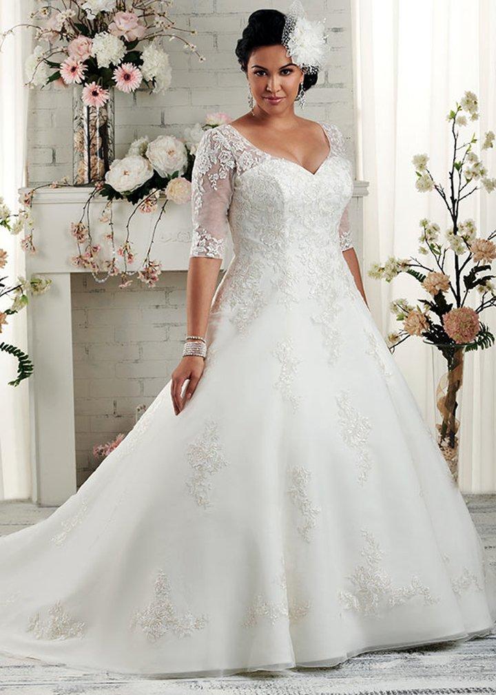 """Платье """"А-силуэт"""" на полной невесте"""