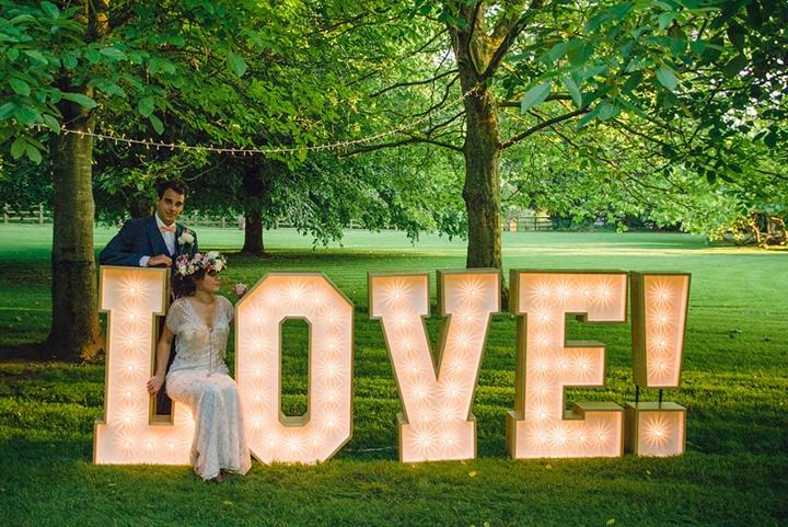 Аксессуары для свадебной фотосессии: выбор, создание, применение